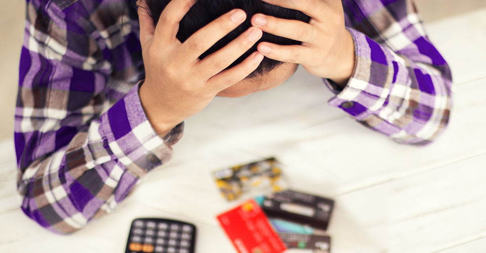 Signs you have too much credit card debts and how to reduce them